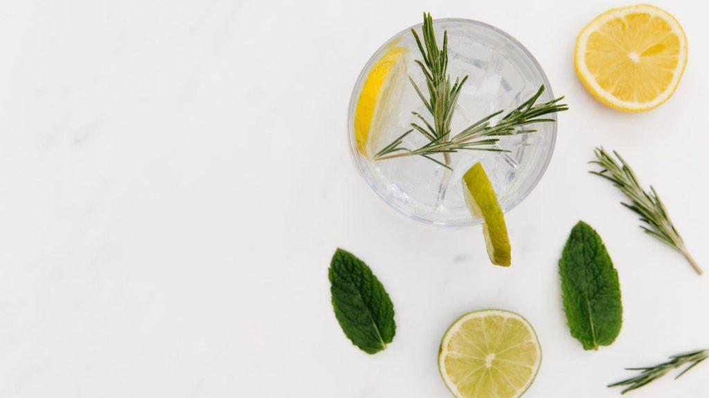 3 recettes de gin à essayer avec des produits d'ici